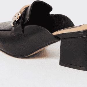 Black mule ladies shoe with chunky heel